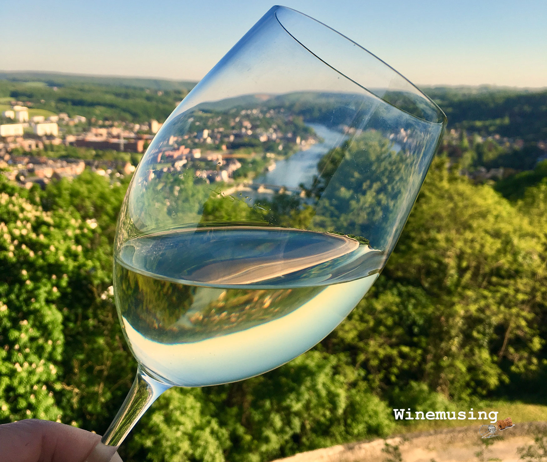 10 wine blends from around the world that should be in your glass NOW!!!